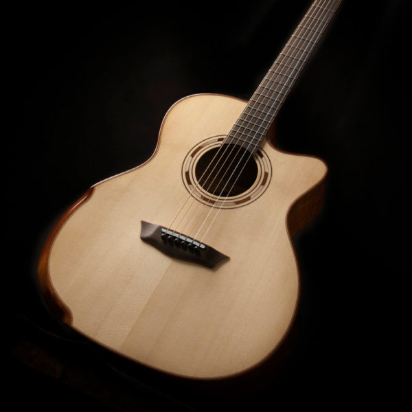 WCG66SCE COMFORT G66SCE SPALT MAPLE angled view of the front