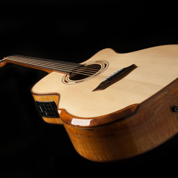 WCG66SCE COMFORT G66SCE SPALT MAPLE angled view of the top and controls and comfort bezel