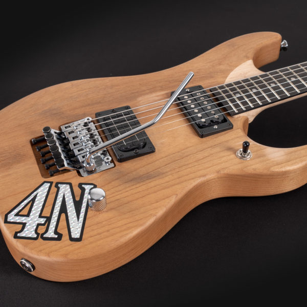 4N NUNO BETTENCOURT SIGNATURE USA angled view of the body