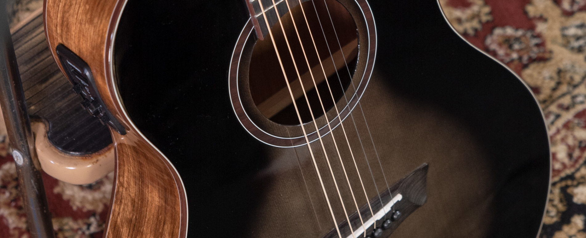BTS9VCECH BELLA TONO VITE S9V close up of the sound hole and roseette
