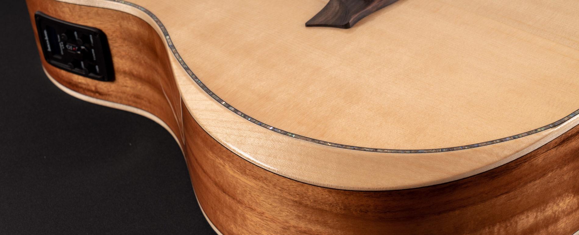 BTSC56SCE BELLA TONO ALLURE SC56SCE close up of the comfort bezel