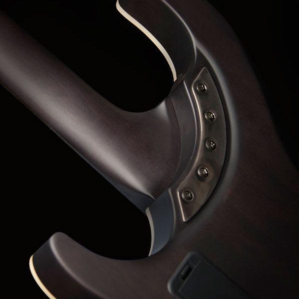 PXS10EDLXTBM back of neck pocket detail